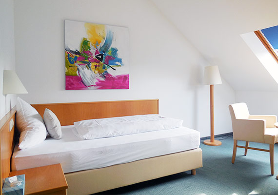 Hotel-Schober-helles-Zimmer